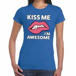 Toppers kiss me i am awesome t shirt blauw dames
